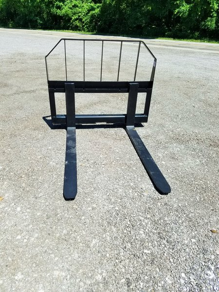 "72"" Smooth Bucket and 48"" Pallet Fork Combo"